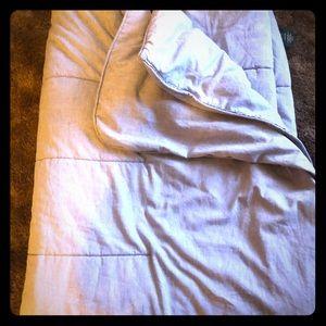 Twin size Ralph Lauren comforter